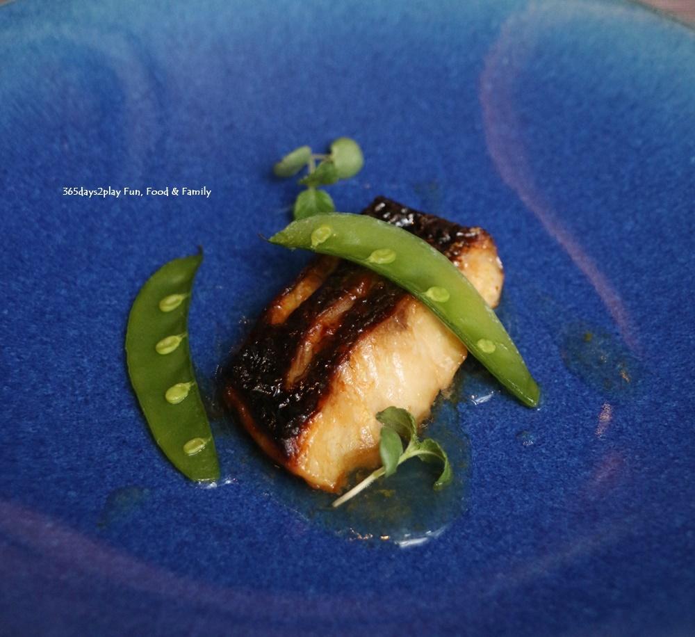 Rizu - Kuromutsu (Bigeye Fish) grilled by Yugen Yaki Style
