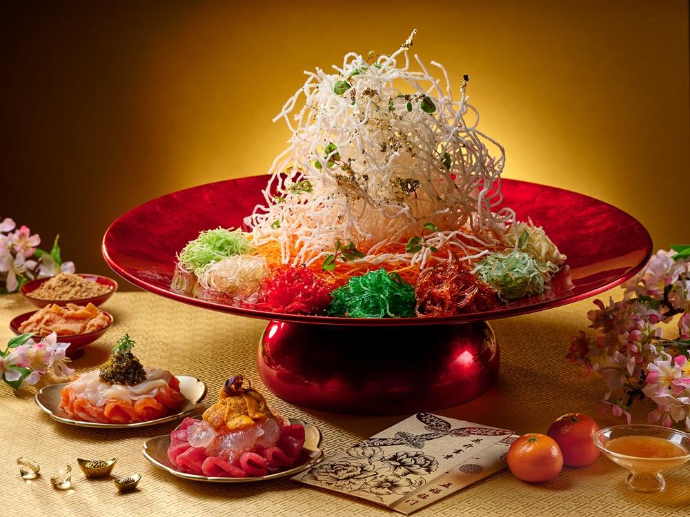 Wan Hao - Lobster, Sea Urchin, Hokkaido Scallop, Salmon, Tuna _ Caviar Yu Sheng