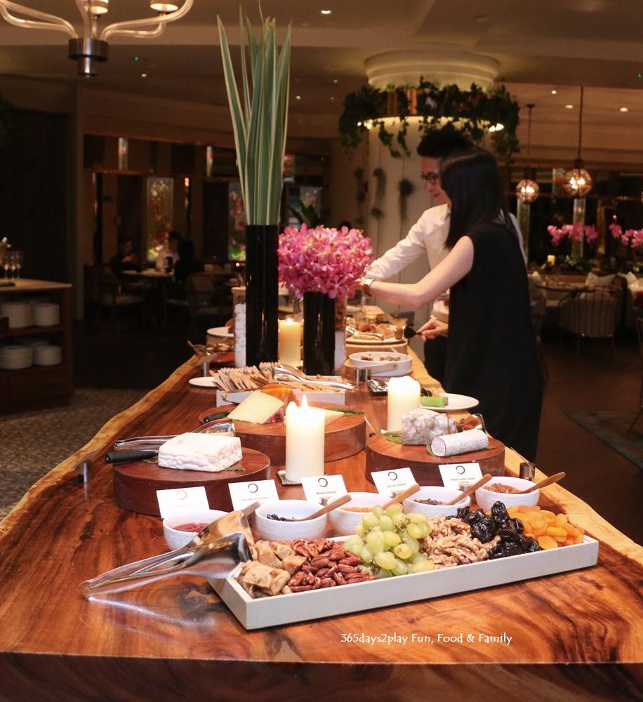 Four Seasons One Ninety Restaurant Dessert Table