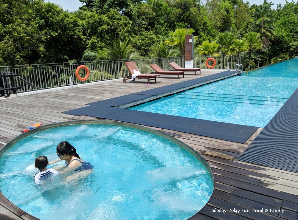 Amara Sanctuary Resort Sentosa - Larkhill Terrace Swimming Pool