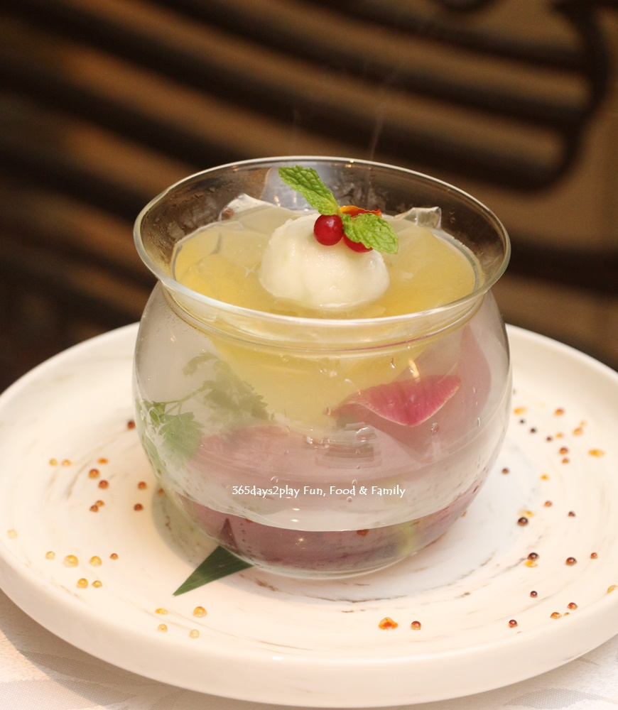 Hai Tien Lo - Chilled lemon grass jelly and lime sorbet