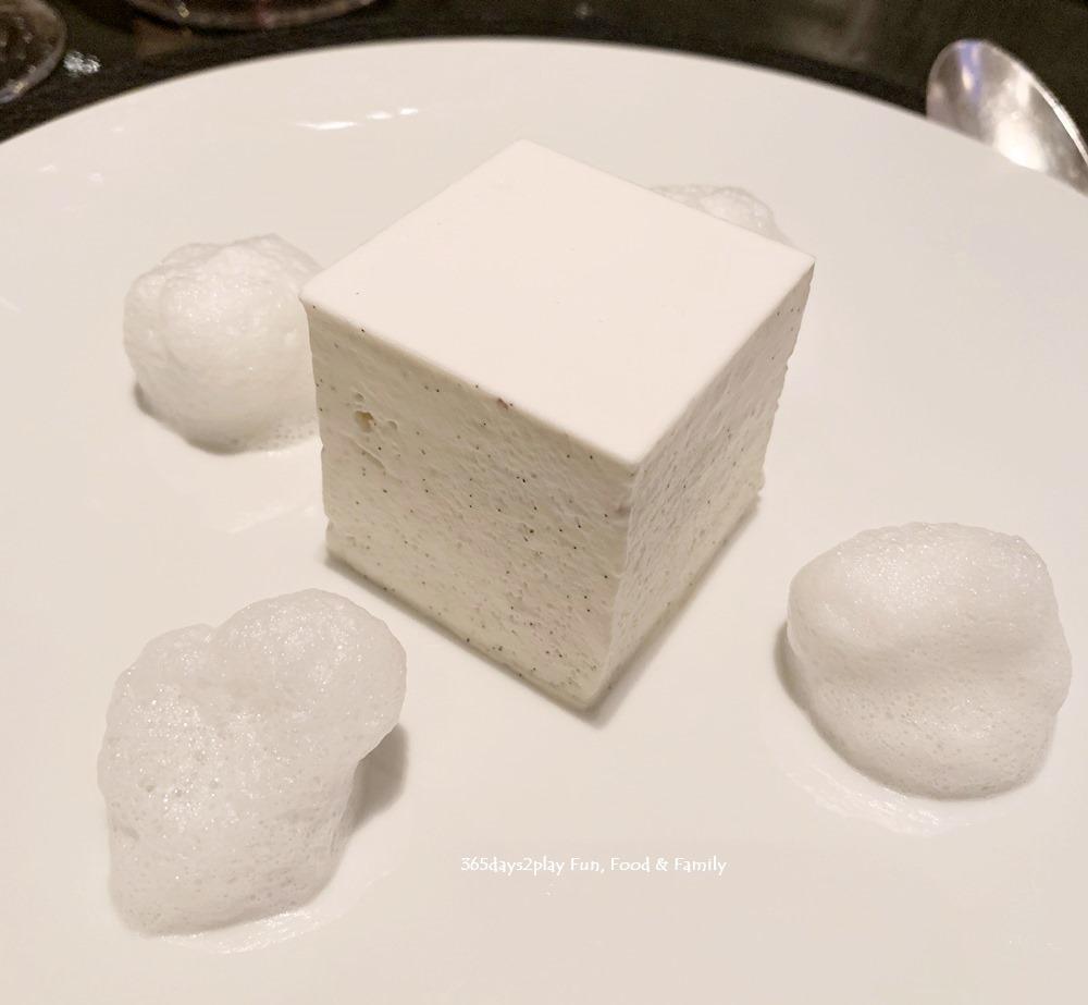 La Dame de Pic - The White Millefeuille (Tahitian vanilla cream, jasmine jelly, voatsiperifery pepper foam) £12