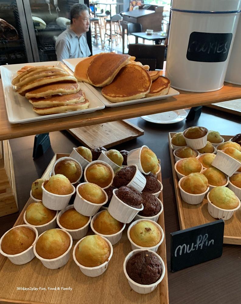 Buffet Breakfast at Hotel G