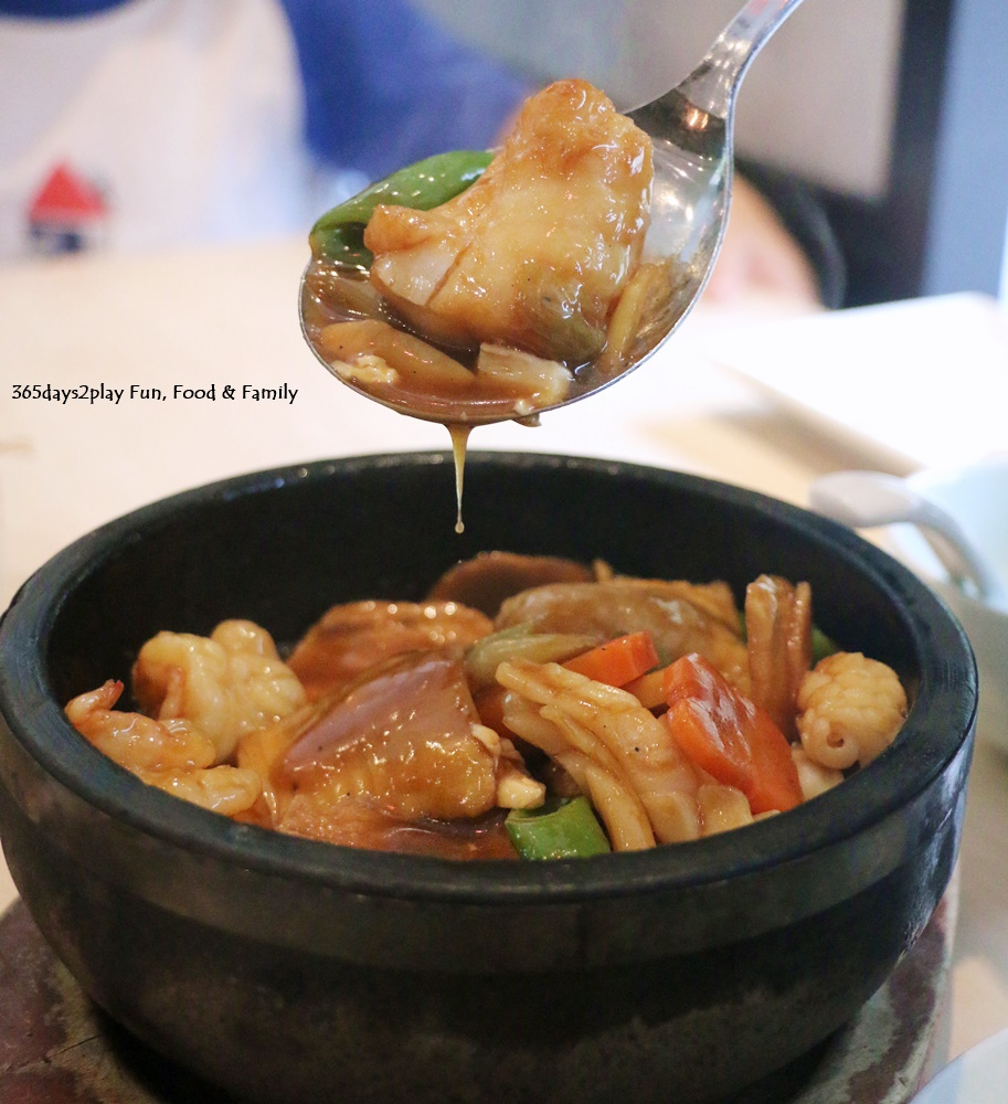 Crystal Jade La Mian Xiao Long Bao - Braised seafood with beancurd in hot stone pot