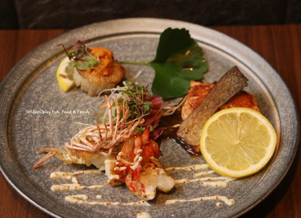 Teppan Kappou Kenji - Tiger Prawn, Hokkaido Scallop topped with Uni, Salmon