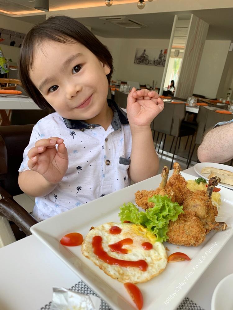 HARRIS Resort Waterfront Batam - Happy Customers