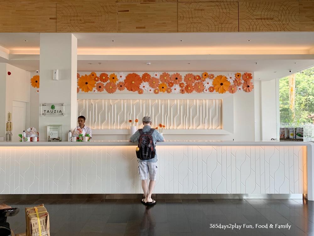 HARRIS Resort Waterfront Batam - Reception Area