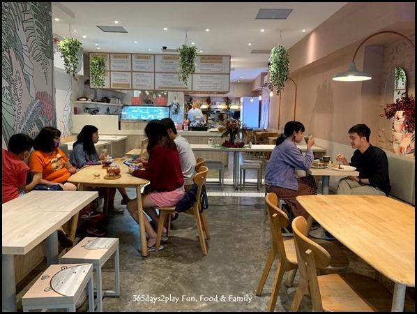 Kara Cafe & Dessert Bar (3)