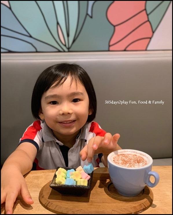 Kara Cafe & Dessert Bar (5)